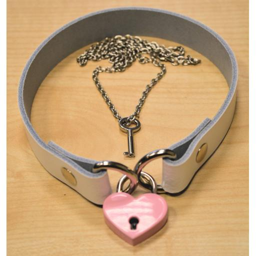 PERSONALISED White Leather choker with Heart Lock. Locking collar necklace BDSM.