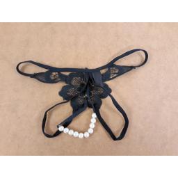 Flower design hollow panties with pearls (2).jpg